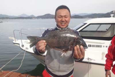 2011年4月17日(日)舞鶴湾で黒鯛の47cmを釣られました