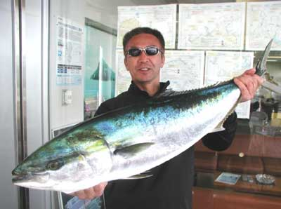 2011年5月4日(木)若狭湾でブリの89cmを釣られました