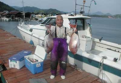 2011年5月25日(水)若狭湾で鯛の71cmを釣られました