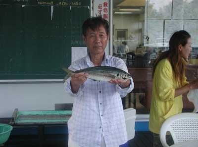 2011年8月14日(日)若狭湾でアジの39cmを釣られました