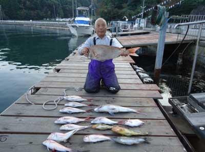 2011年11月4日(金)若狭湾で鯛の71.5cmを釣られました