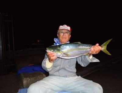 2011年11月27日(日)日本海でメジロの65cmを釣られました