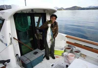 2012年1月22日(日)若狭湾でブリの86cmを釣られました