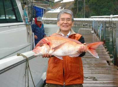 2012年2月25日(土)若狭湾で鯛の66cmを釣られました