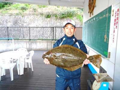 2012年4月28日(土)若狭湾でヒラメの63cmを釣られました