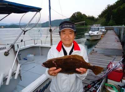 2012年5月13日(日)若狭湾でヒラメの48cmを釣られました