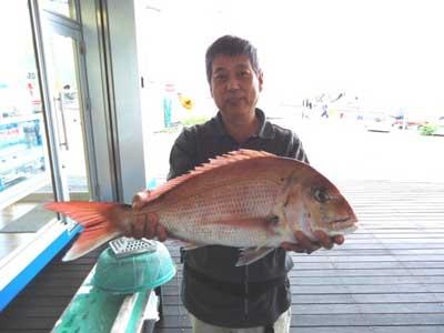 2012年10月6日(土)若狭湾で鯛の60.0cmを釣られました