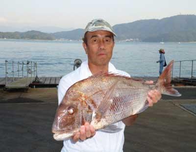 2012年10月21日(日)若狭湾で鯛の61.5cmを釣られました