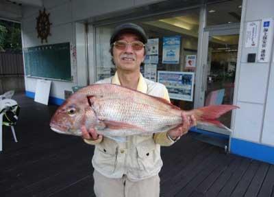 2012年10月27日(土)若狭湾で鯛の70.0cmを釣られました