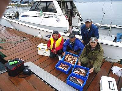 2013年3月20日(水)若狭湾でメバルを90匹釣られました