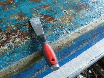 2011年11月20日(日)ハツリを使用してフジツボを剥がしています